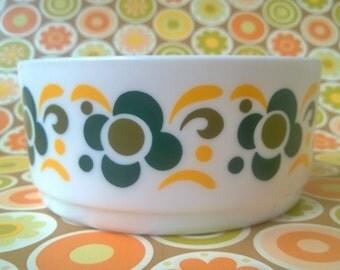 Mid Centuries Arcopal pyrex bowl (Lotus)