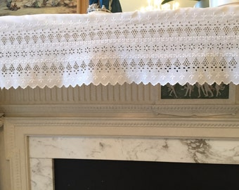 Antique 1920s shelf valance embroidery trim 1 y 17in 1/2 by 11in Scallops cutwork floral For home decor clothing accessories sewing craft