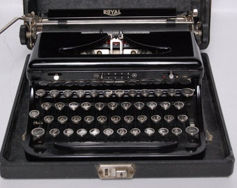 Royal Model O Portable Antique Typewriter Glass Keys 1936 Excellent Glossy