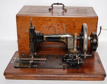 Frister Rossman Berlin Antique Sewing Machine Hand Crank, Case Excellent c. 1900