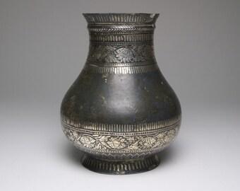 Antique 18th or 19th century Indian Bidri silver inlaid vase