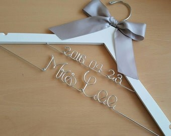 Bride hanger with special wedding date / name hanger/ 2 line bride hanger / Mrs. Hanger/ Name hanger