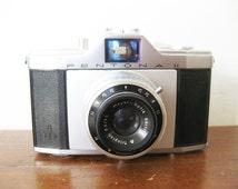 Vintage Analog Camera Zeiss Ikon Pentona II 1956