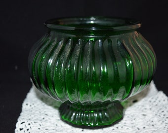 E.O. Brody Green Glass vase / green glass / green glass vase / EO Brody / Brody Ohio / Brody OH / Brody green glass / vase / planter / Ohio