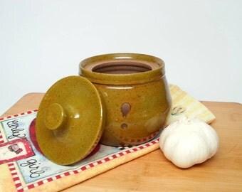 Pottery Garlic Keeper, ceramic garlic jar