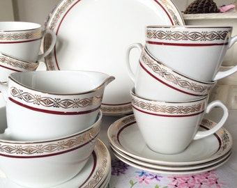 Vintage Red and Gold Alfred Meakin Glo-White 18-Piece Teaset