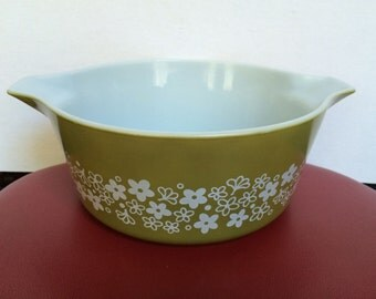 Vintage Pyrex 2 1/2 QT. Round Casserole Dish - Spring Blossom Green - Crazy Daisy - Baking Dish With Handles - Bowl - 475-B