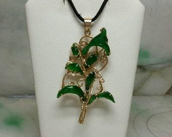 Handmade Imperial jade flower pendant in 14k gold