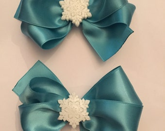 Snow flakes on satin bows