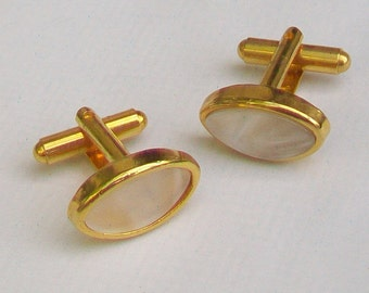 Oval Pearlised Cabochons in Gold Tone Cufflinks