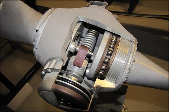 Constant Speed Propeller : Poster cutaway constant speed propeller hub from