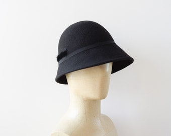 Black retro cloche Hat