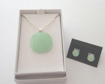 Green jewellery set,green pendant,green studs,green jewelry set,green glass jewellery,light green jewellery,pale green jewelry set