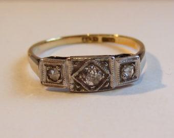Vintage art deco 18ct and platinum diamond ring