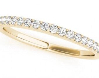 0.16ct Traditional Bridal 14k Yellow Gold Wedding Band with Diamonds
