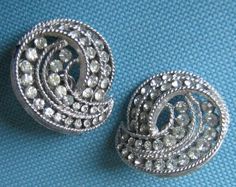 Trifari 1963 Cavalcade Silvery Clip Earrings - Ad and Book Piece