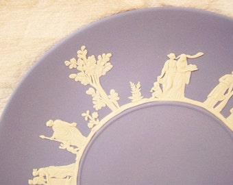 60 Original Wedgwood Plates / Finest porcelain / Craft from England