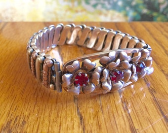 Vintage bracelet expandable 12k gold fill on sterling silver Lustern rose gold red stone floral accents excellent quality costume jewelry