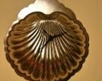 Seashell Pan Wall Clock