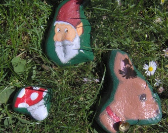 """Set of 3 hand-painted stones - """"Forest walk"""""""