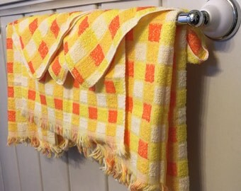 Bath Towel Set - Set of 3 Handtowels and 3 Washcloths - JCPenney Towels - Orange and Yellow - 1960s - 1970s Bathroom