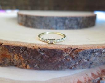 Pure yellow gold & diamond, baguette diamond ring