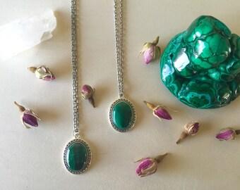 Malachite necklace. Malachite jewelry. Gemstone necklace.