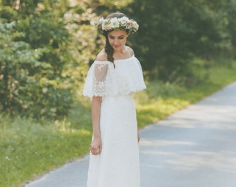 Sample Sale//Lea//wedding dress bridal Dress lace Vintage Boho//light & lace wedding dress