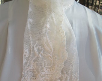 Vintage cream white lace collared blouse by JH Collectibles. Made in USA union label Polyester Size 10