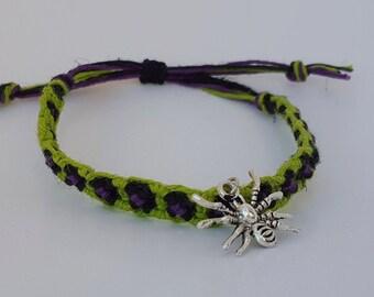 Adjustable spider bracelet