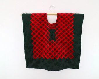 Huipil cadenilla bordado en terciopelo brocado verde(HTC3).  mexicano, vintage. Frida Kahlo clothing. Mexican blouse, bordado istmo vintage