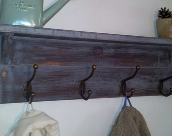 Rustic hallway coat rack with hooks and shelf, handmade from solid wood with shabby finish - by MT-Rustico