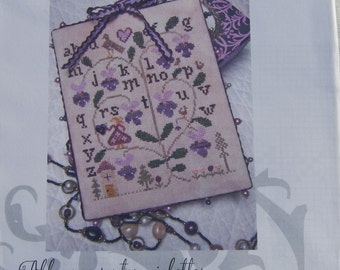 Allons Compter Violettes by Tournicoton with hand painted button