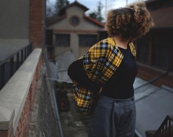 Half season jacket for men and women sleeveless yellow polyester cotton tartan