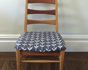 Heywood Wakefield ladder back chair