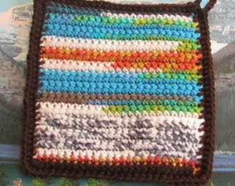 Hand crochet double thick hot pad CHO 003
