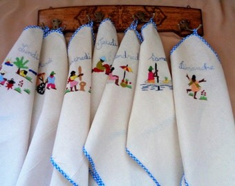 Embroidered Days of the Week Kitchen Towels, Linen Kitchen Towels, Days of the Week, Weekday Towels, Embroidered Towels, Set of 7, France
