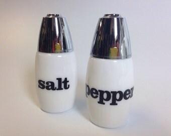 Vtg Westinghouse Salt & Pepper Shakers Black White Milk Glass Gemco