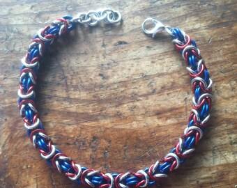 NE Patriots Colors Byzantine Chainmail Bracelet