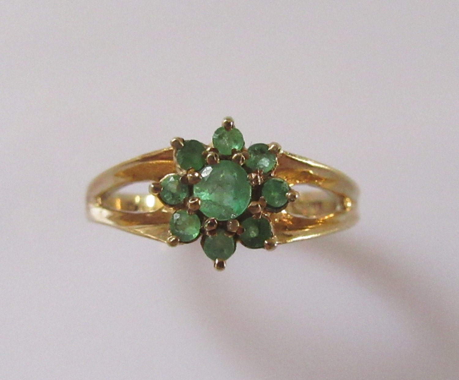 9ct gold emerald flower ring