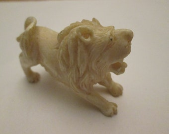 """Lion Figurine Possible Soap Stone Hand Carved 2""""x1"""" BEAUTIFUL!!!"""