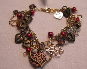 Mixed metals hearts charm bracelet ~ red and gold