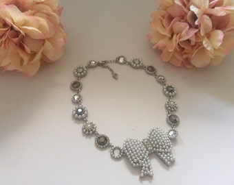 Bow crystal necklace