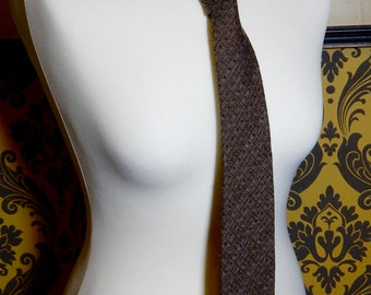 A Lovely Vintage Brown Tie , Good condition, shabby chic. retro.Boho.