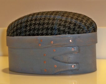 Small Shaker Oval Box w/ Pin Cushion Lid