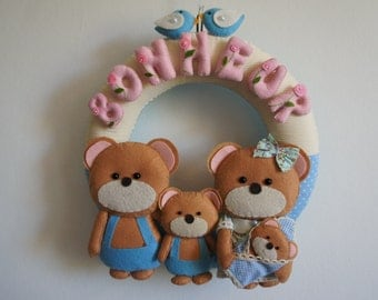 Crown family of bears in felt for decoration