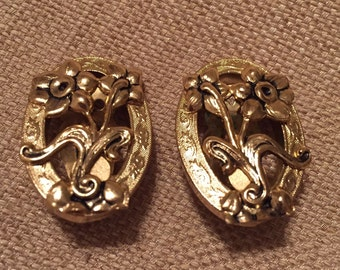 Vintage Whiting and Davis Earrings gold tone and floral design