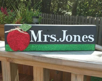 Teacher Name Sign, Back to School Teacher Gift, Teacher Name Plate, Gifts for Teachers, Teacher Decor, Personalized Teacher Name Plate