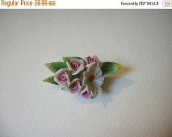 ON SALE Vintage 1960s Porcelain Floral Pin 542