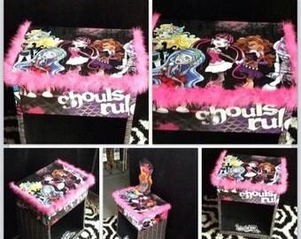 Monster high - girls furniture - kids furniture - childrens furniture - bedroom decor - kids tables - monster high accesories -